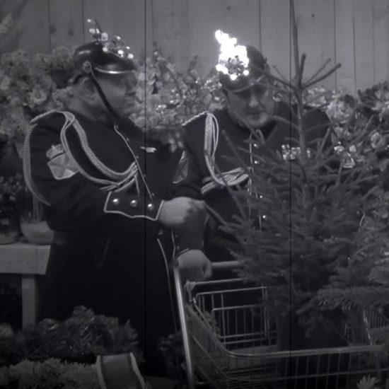 De Veldwachters doen kerstinkopen