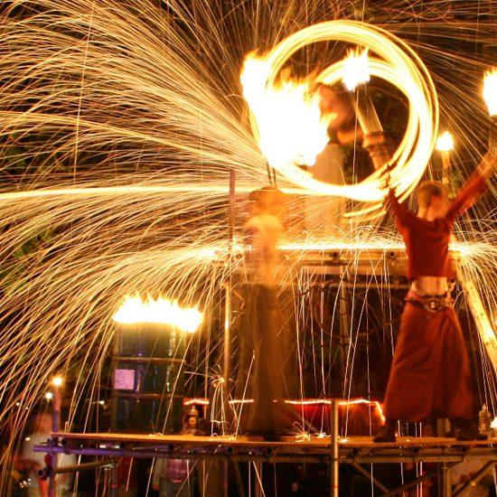 Theaterfestival Cirque de la Lune in Kasteeltuinen Arcen